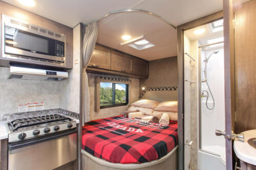 Four Seasons RV Rentals - Class C Large | Stove, Rear Bed, & Bathroom
