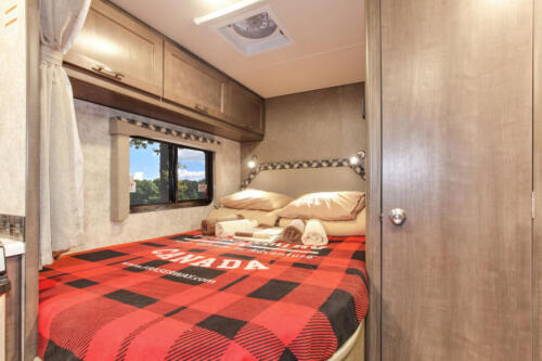 Four Seasons RV Rentals - Class C Large | Rear Bed